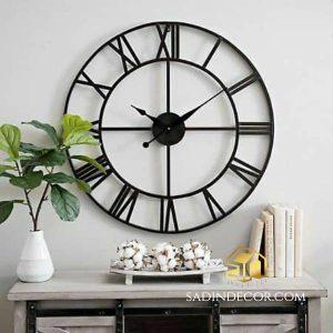 ساعت دیواری چوبی طرح رومی سایا